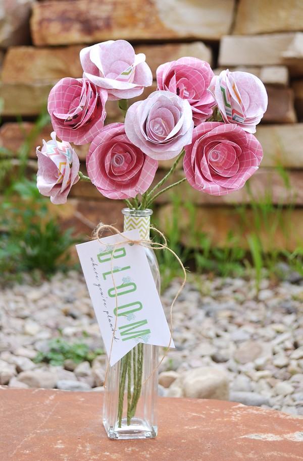 Paper flower bouquet via @wendysuea using @pebblesinc #GardenParty collection #craft #paper #flowers