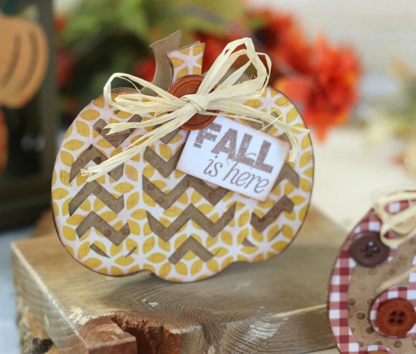 Pumpkin shaped card made from @pebblesinc From Me to You collection and #sillhouetteamerica by @ribbonsandglue