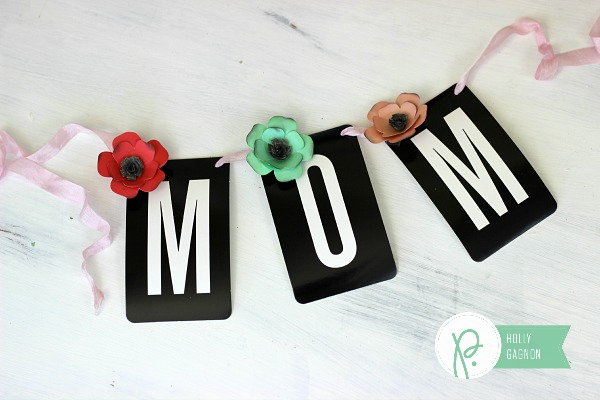 Mother's Day Banner made with the Cottage Living collection from @pebblesinc by @ribbonsandglue