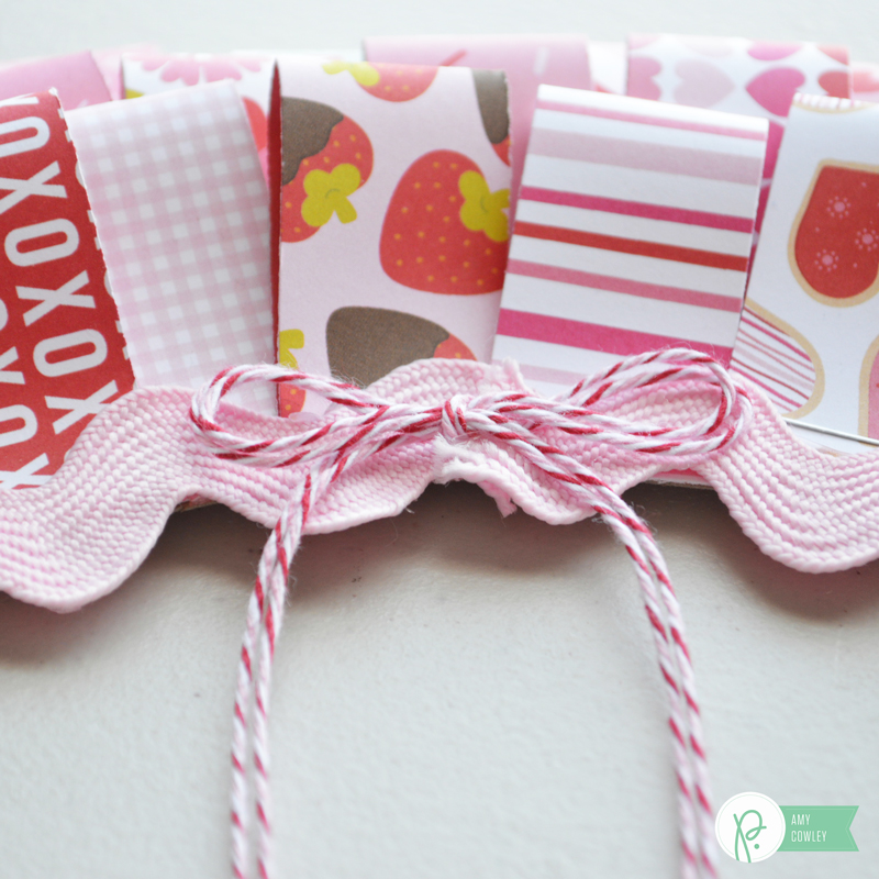 @thehappyscraps created this cute Be Mine Valentine Wreath using the @pebblesinc #bemine collection. Click for the tutorial.