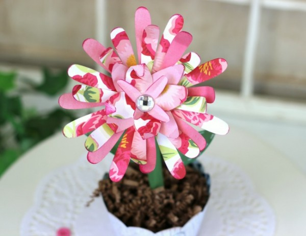 Potted Paper Flower blooms made with Silhouette and the @pebblesinc Everyday collection