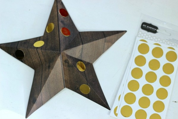 3D Star decorated with Gold Dots from the @pebblesinc Cottage Living collection