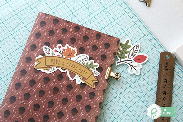 Create cute notepads in minutes with this tutorial from @evapizarrov and the lovely #woodlandforest collection by @pebblesinc