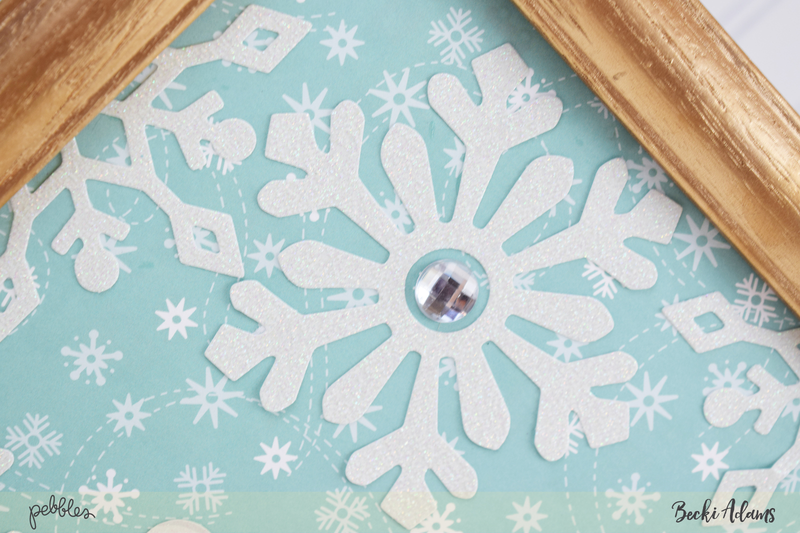 DIY Snowflake Wall Art by @jbckadams for @pebblesinc #madewithPebbles #DIYSnowflakewallart #winterhomedecor