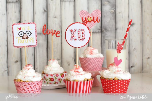 Create beautiful Valentine's cupcakes with this tutorial from @evapizarrov using the new #myfunnyvalentine line from @pebblesinc and the #DIYpartyboard from @wermemorykeeper
